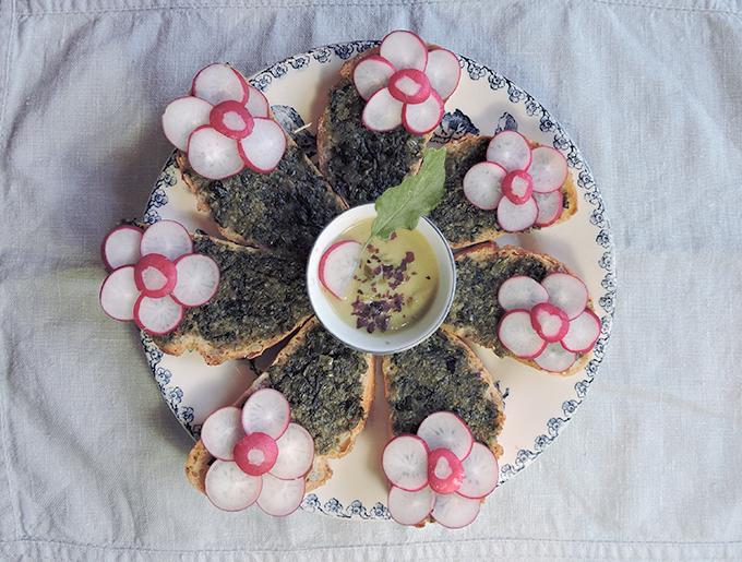 toast-marinoe-pesto-seaweed
